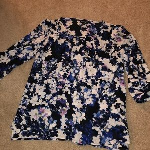 Express 3qt length sleeve blouse